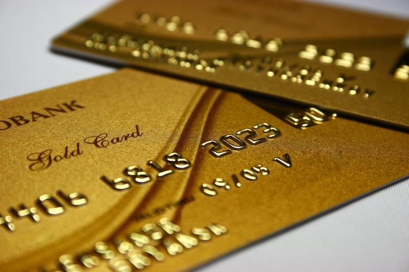 Что такое золотая банковская карта? Основные преимущества золотой карты, отличия от обычной.